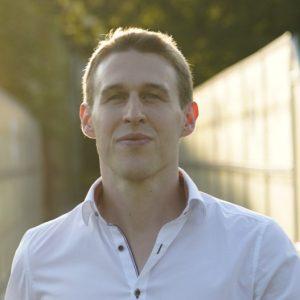 Sebastian Proprenter, Gründer von nextlevelmedia.at, auf dem Weg zum nächsten Video Marketing Projekt in Villach/Kärnten